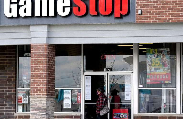 Reddit Traders Made GameStop's Stock To 10 Billion Dollar Company !!